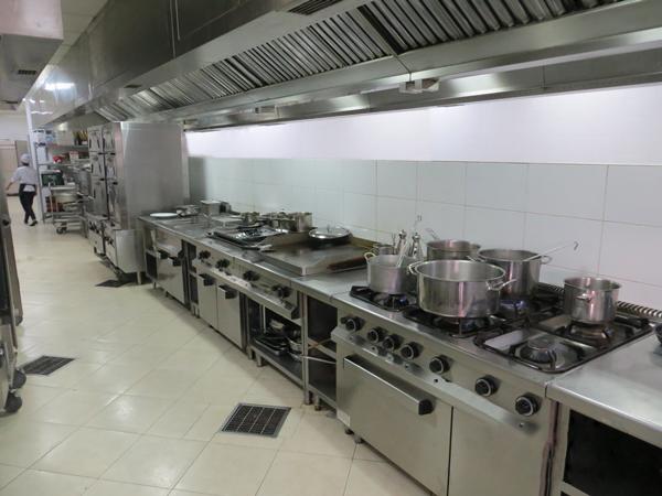 Những lợi ích từ bếp inox công nghiệp đem lại - hinh 1